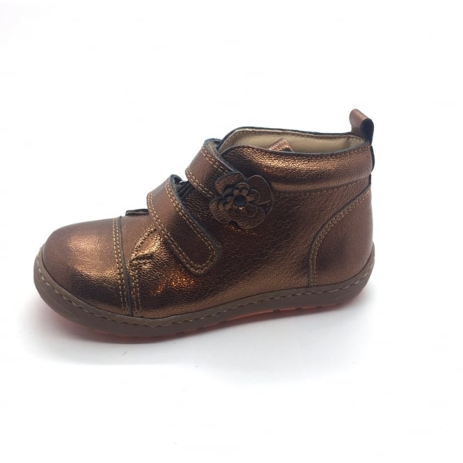 PETASIL Drean Boot With Flower Detail